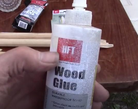 fixing broken closet rod with wood glue